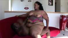 Chunky ebony lady with a huge booty Pantera rides a big black shaft