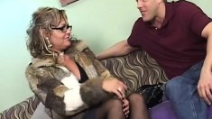 Kelly Leigh deepthroats a massive dick and gets her pussy fucked