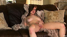 The curvaceous courtesan shows the most appetizing parts of her magnificent body